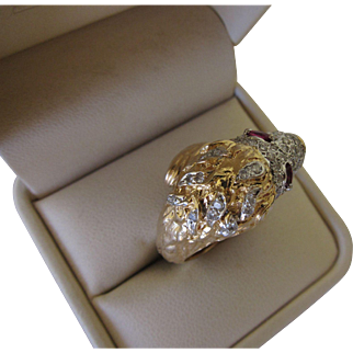 Beautiful Vintage 14 kt. Gold Diamonds and Rubies lion's Ring  C.1960