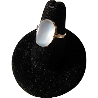 beautiful Vintage 14 kt. Gold Moonstone Ring    C.1950