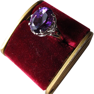 Beautiful Vintage Platinum Amethyst with Diamonds Ring   C.1970