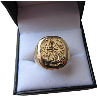 "Antique 14 kt. Gold "" Coat of Arms "" Seal  Ring   C.1900"