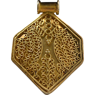 Vintage sterling silver-gold plated filigree Egyptian pendant