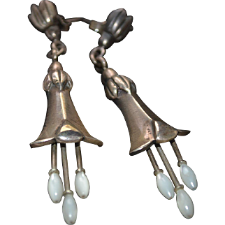Vintage sterling silver earrings with mother pearl