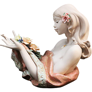 """Lladro """"Morning Dew"""" Fine Bisque Porcelain Woman with Roses Bust Statue #6751 *"""