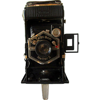Vintage Folder Camera By  Zeiss Ikon Nettar S Model