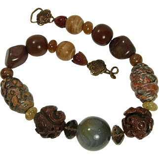 1980s Stephen Dweck Necklace Gray Leopard Agate Quartz Carved Wood Horn Chinoiserie