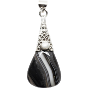 Onyx Pearl Pendant in Sterling Silver with Infinity Design