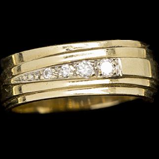 Custom Retro 0.12ctw Graduated Diamond Band Ring 14k