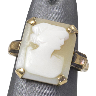 Vintage Cameo Ring 10k Yellow Gold