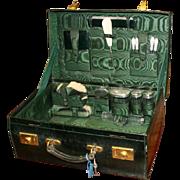 Cased Silver Ladies Travelling Vanity Case by Walker & Hall 1919