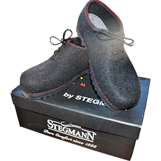 Stegmann 'Wild & Wooly' Graphite Boiled Wool Felt Oxford, Women's 8