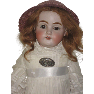 Pretty Kestner Shoulderplate Doll,154   all original   22 inch.