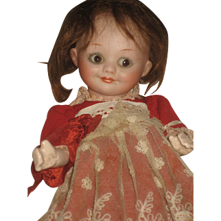 Very Pretty Googly Doll  A.M. 323    8 inch