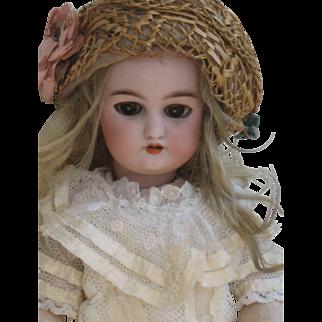 all original doll from AU NAIN BLEU shop. S&Halbig .10,4 inch. 26 cm