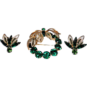 Vintage Napier brooch and earring set with rich green colors, gold tone, very good condition