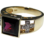 Unique Garnet and diamond ring set in 14kt gold, nice custom touches