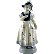 Delft coloring dutch girl figurine made in Occupied Japan
