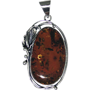 Big bold Amber and sterling pendant in excellent estate condition