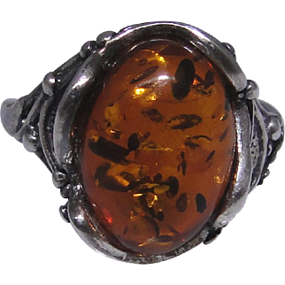Vintage sterling silver and Amber ring, size: 7.50, excellent condition, unique cabochon