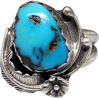 Vintage Sterling Silver ring with Turquoise nugget cabochon, size: 7.50 nice, ornate ring