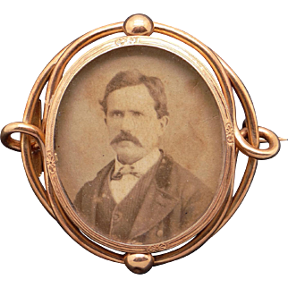 Antique Ornate Antique Mourning 14k Yellow Gold Photo Picture Frame Brooch Pin