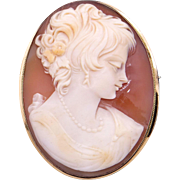 Vintage 18k Yellow Gold Oval Carved Shell Cameo Woman Wearing Beads Brooch Pin Pendant