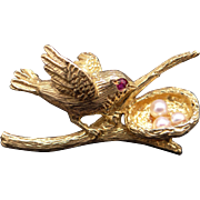 Vintage 18k Yellow Gold Cultured Pearl Bird Nest Nesting Egg Brooch Pin