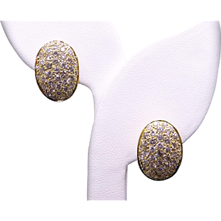Fantastic 18k Yellow Gold 2.70ct Round Cut Diamond Pave Cluster Shell Oval Button Earrings With Omega Backs