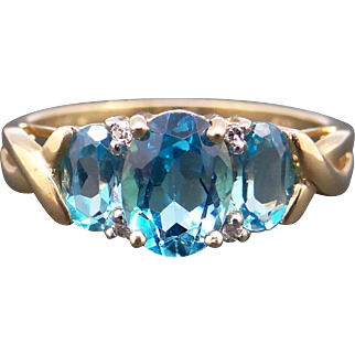 Adorable 10k Yellow Gold Oval Cut 2ct Blue Topaz Diamond Three Stone Band Ring Size 8.5