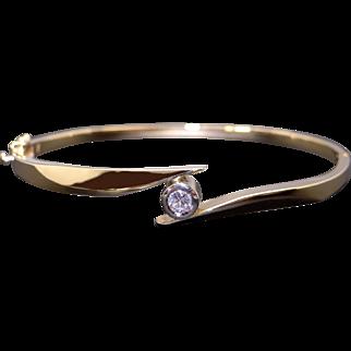 Beautiful Vintage 14k Yellow Gold .20ct Round Cut Diamond Bezel Tennis Bangle Cuff Bracelet 6.75 inches