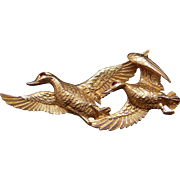 Amazing 14k Yellow Gold Ruby Flying Duck Ducks Goose Geese Bird Brooch Pin