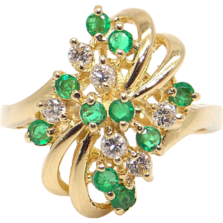 Adorable 14k Yellow Gold .48ct Round Cut Emerald Diamond Cluster Ring Size 5.5