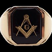 Mens 10k Yellow Gold Black Onyx Masonic Band Ring Size 9