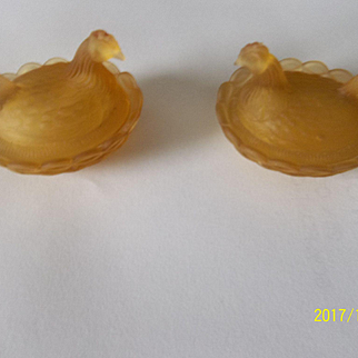 2 Yellow Glass Hens Nests