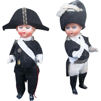 Pair of 5 inch Soldiers