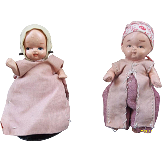 2 Sweet Babies and Doll Stand