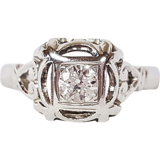 18kt White Gold Ring set with Round Transition cut Diamond, Circa 1940