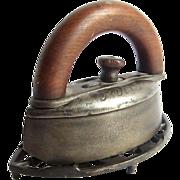 Primitive Dubuque Potts Sad Iron & Cast Iron Trivet