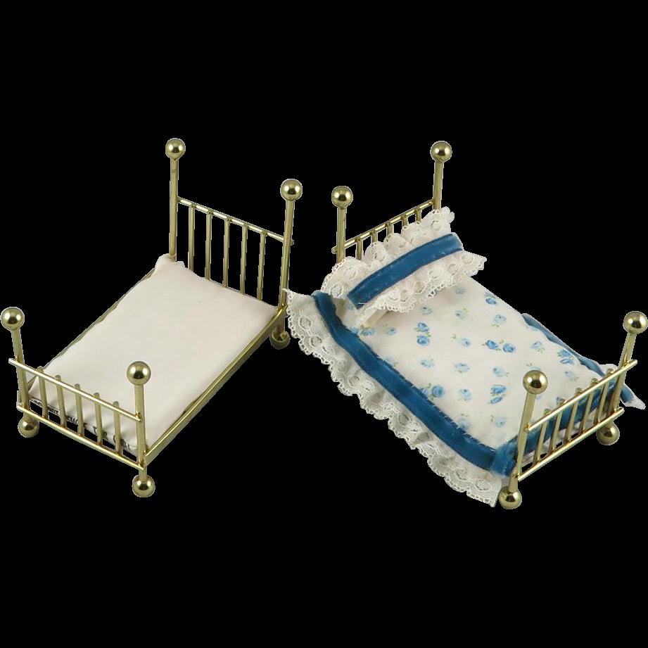 Vintage Doll Beds 18