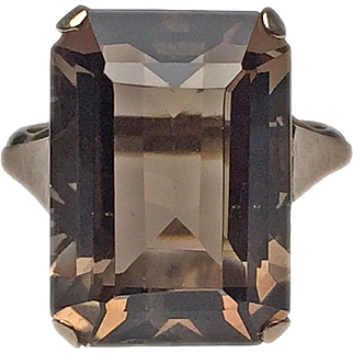 14 Karat Yellow Gold Emerald Cut Citrine Ring