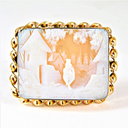 Lovely Vintage Gold Carved Cameo Brooch