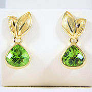 Vintage 18k Gold Dangle Earrings with Briolette-cut AA Peridots