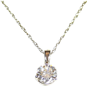 Gorgeous 14k White Gold and Brilliant-Cut Round Diamond Pendant Necklace
