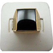 Handsome Rectangle Black Onyx Ring in 18k Yellow Gold