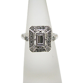 Beautiful Diamond Ring with Center Baguettes & Diamond Chips in 14k White Gold