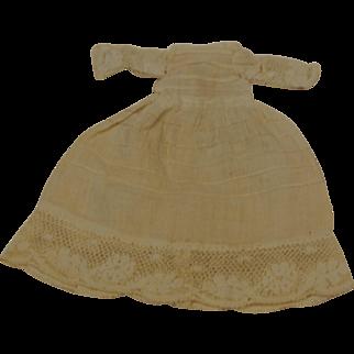 "Dainty Small Pretty Dress 5 1/2"" long"