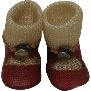 Near Mint Red Ginny Center Snap Shoes with fuzzy soles and Socks