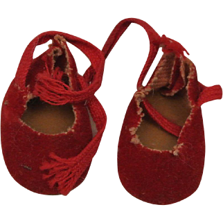 """1950's Red Suede Cloth Tie Shoes-Fit Muffie, Ginny, Alex 8"""""""