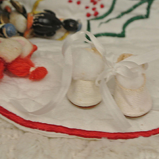 Vintage Ginny, Muffie Oilcloth Tie Shoes with Fuzzy Soles