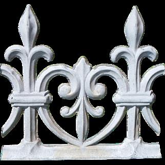 Antique French ornamental zinc ridge cresting