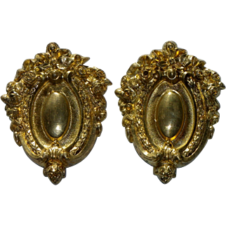 Beautiful big pair of bronze hook covers with beautiful gilding French 19 th